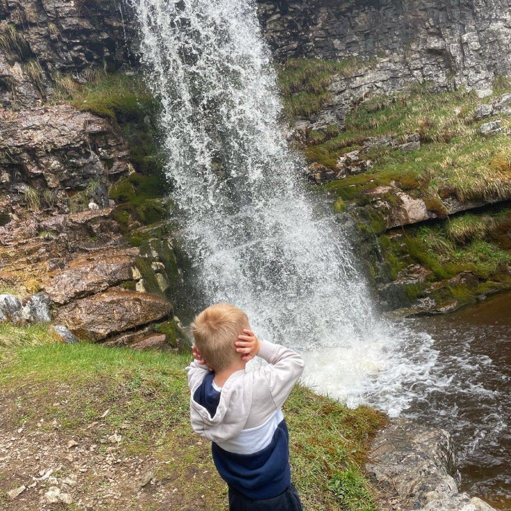 noisy waterfalls in buckden