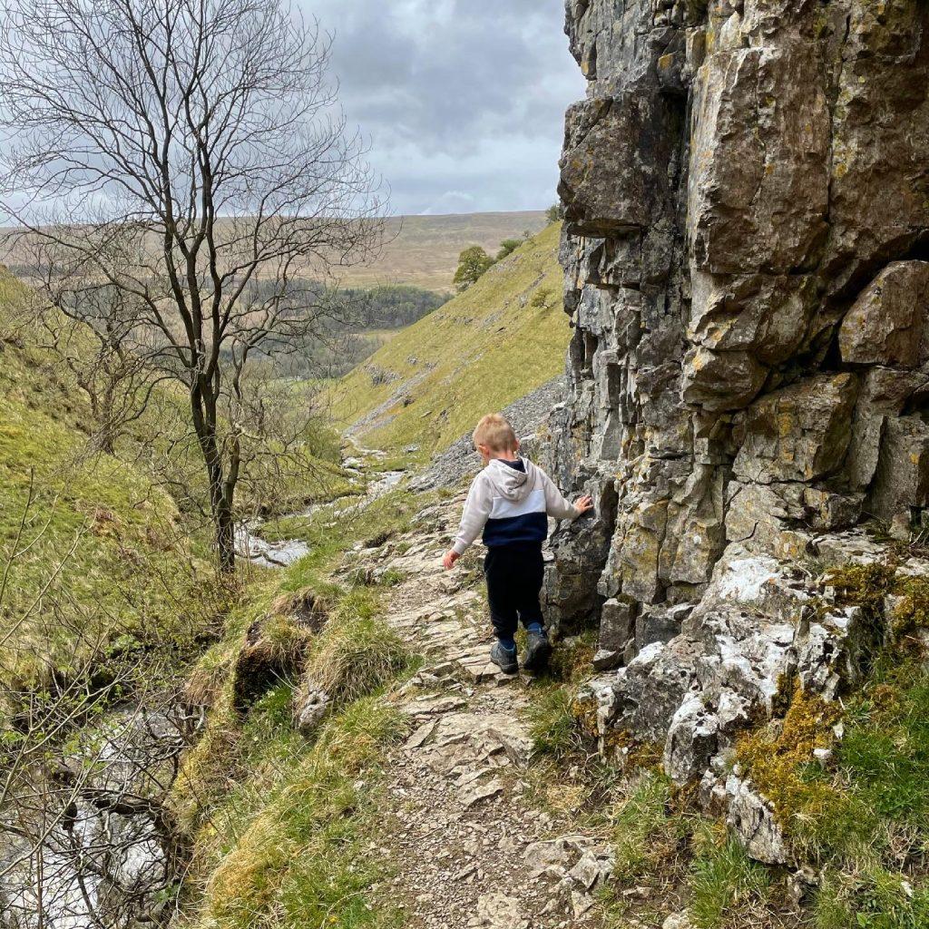 Buckden beck waterfalls paths